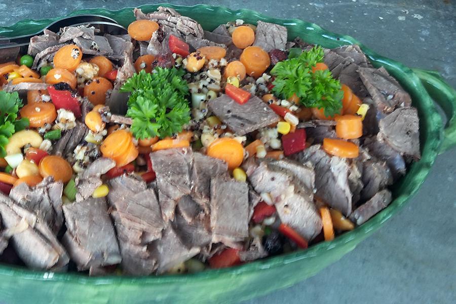 Salat-kogt-oksesteg-kerner