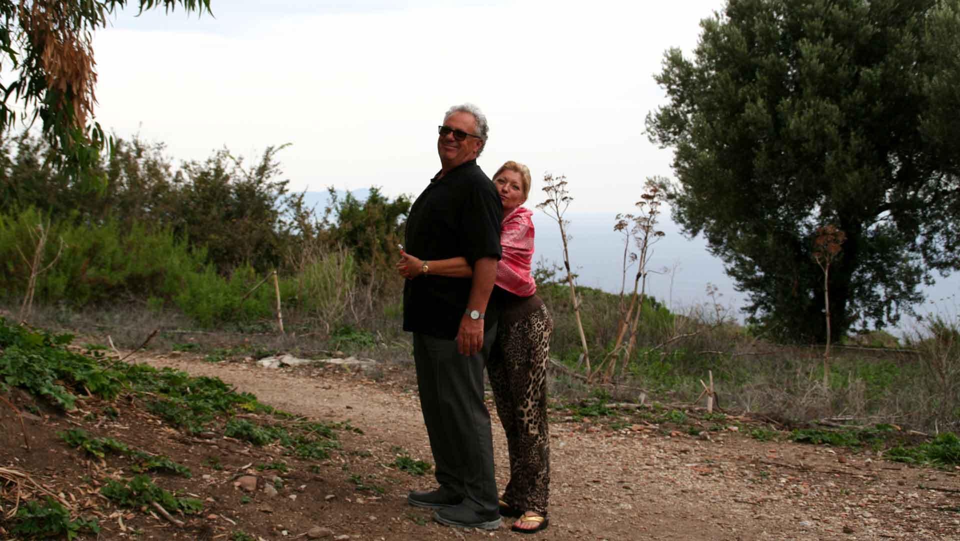 Lotte og Francesco på Sicilien og besøge leverandører til SIKANIs økologiske sicilianske specialiteter